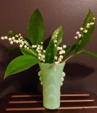Jadeite vase, accessories/props